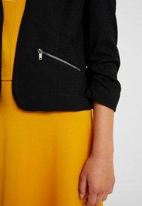 Vero Moda Petite - VMINEZ 3/4 ZIP - Blazer - black - 4
