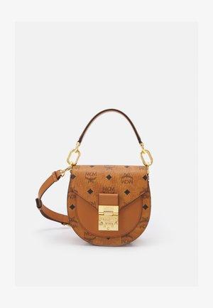 PATRICIA VISETOS SHOULDER MINI - Handbag - cognac