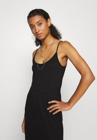 Even&Odd - Basic Strappy Maxikleid - Maxi dress - black - 4