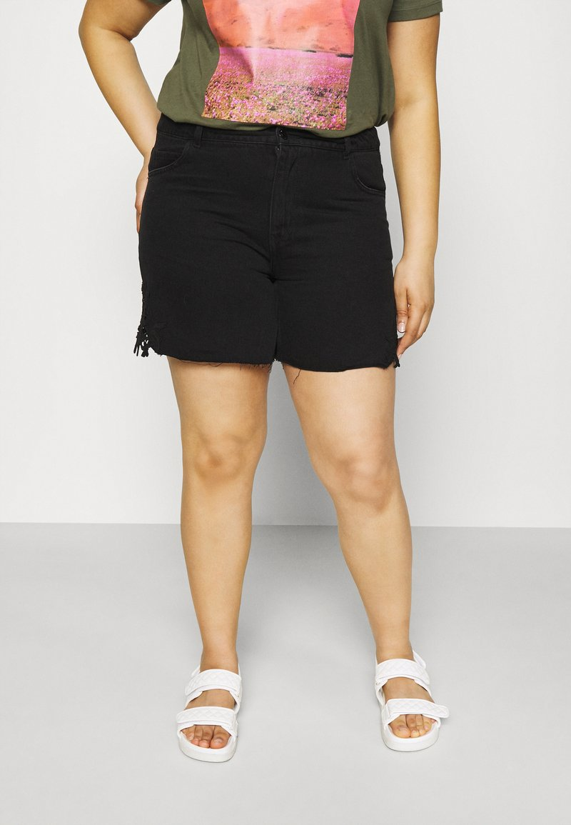 Vero Moda Curve - VMNINETEEN - Shorts di jeans - black
