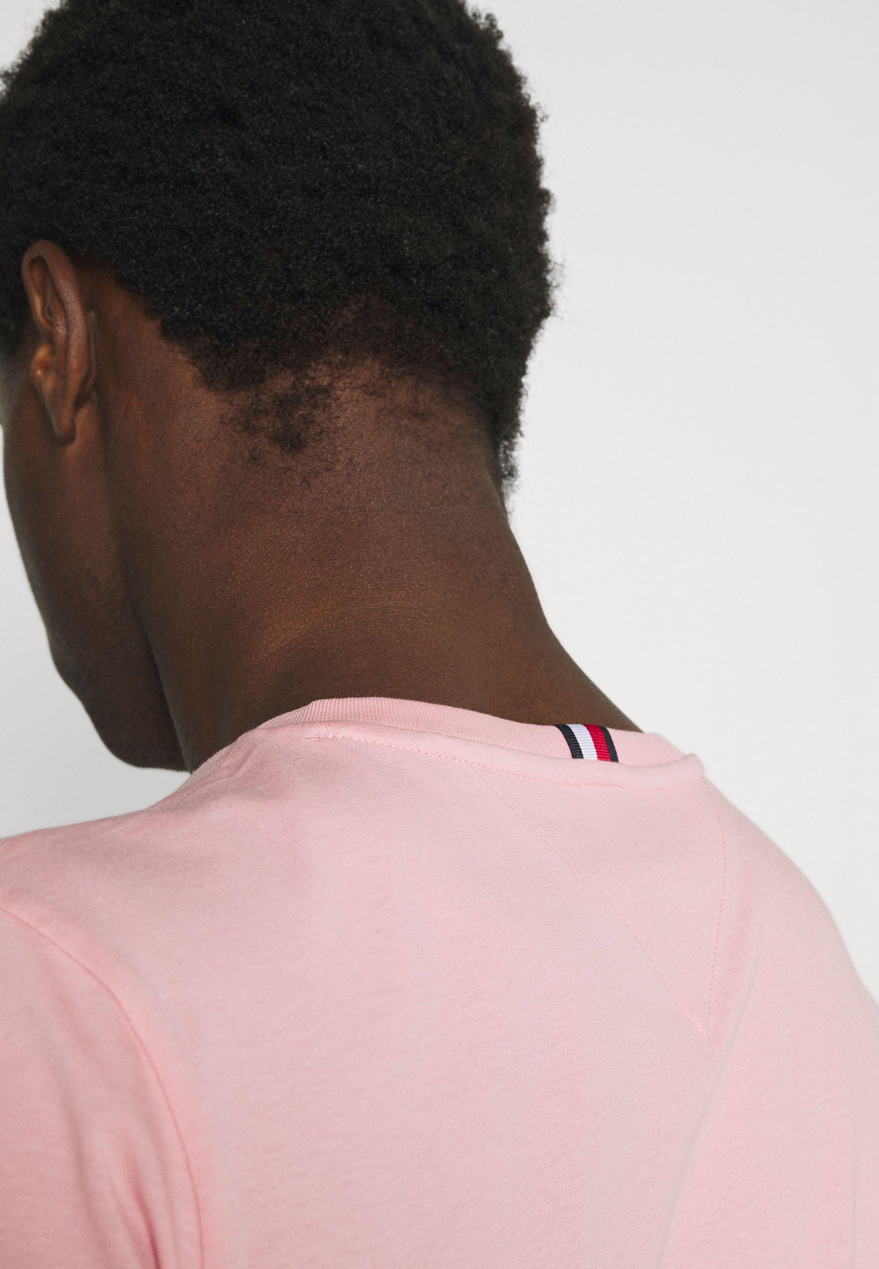 Men TONAL FLAG TEE - Print T-shirt