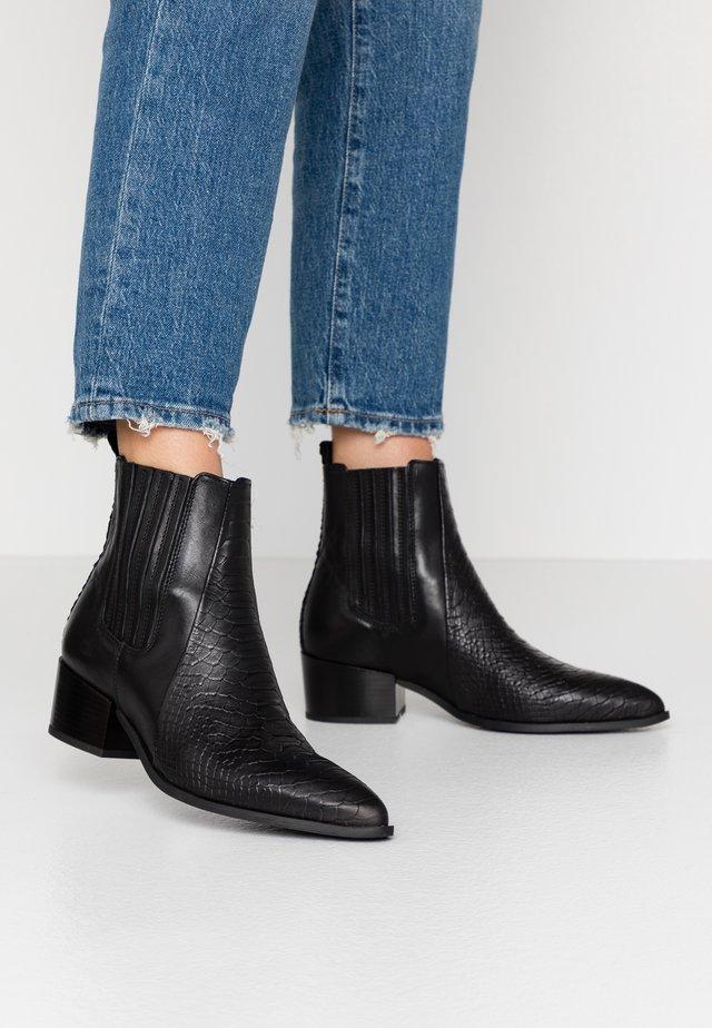 SAGE - Kotníkové boty - black