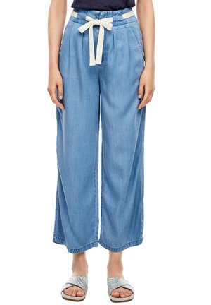 REGULAR FIT: CULOTTE AUS LYOCELL - Straight leg jeans - light blue