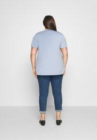 Tommy Hilfiger Curve - TEE  - Print T-shirt - breezy blue - 2