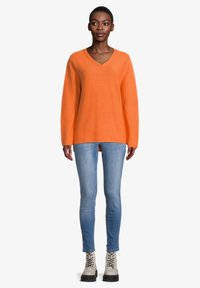 Cartoon - MIT STRUKTUR - Jumper - apricot - 1