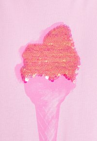 ONLY - ONLKITA LIFE BOX - T-shirts med print - lilac sachet/ice cream - 2
