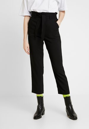 ONLALLY PANT - Tygbyxor - black