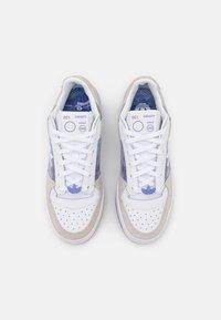 adidas Originals - FORUM BOLD  - Joggesko - white - 5