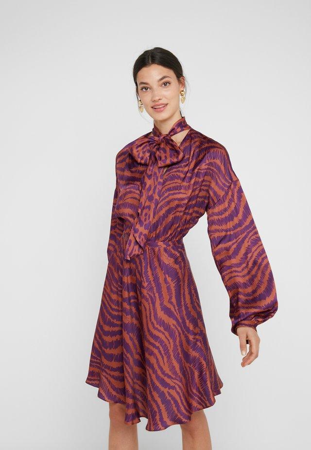 Vestito elegante - purple variant