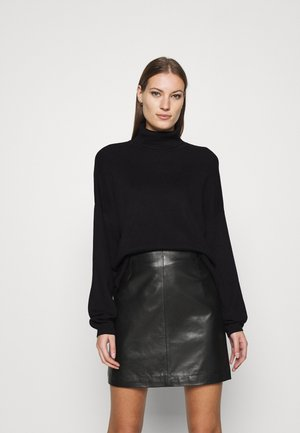 SOFT TURTLE NECK - Pullover - black