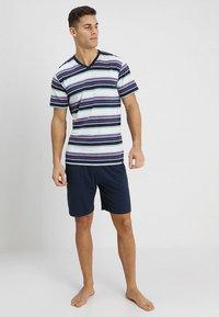 Ceceba - SHORTY V-AUSSCHNITT - Pyjama set - dunkelblau - 1