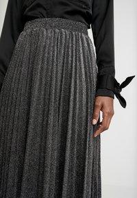 Guess - MARION SKIRT - Áčková sukně - black/silver - 4