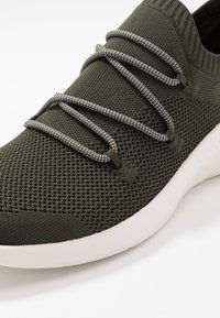 Timberland - FLYROAM GO - Sneaker low - dark green - 5