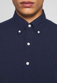 Polo Ralph Lauren - SEERSUCKER  - Shirt - astoria navy - 5