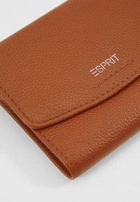 Esprit - CLASSCITY - Wallet - burnt orange - 2