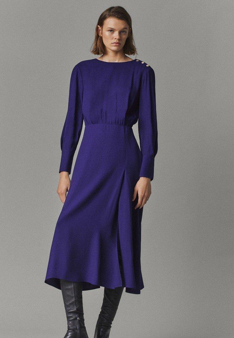 Massimo Dutti - MIT ZIERKNÖPFEN  - Jumper dress - dark purple