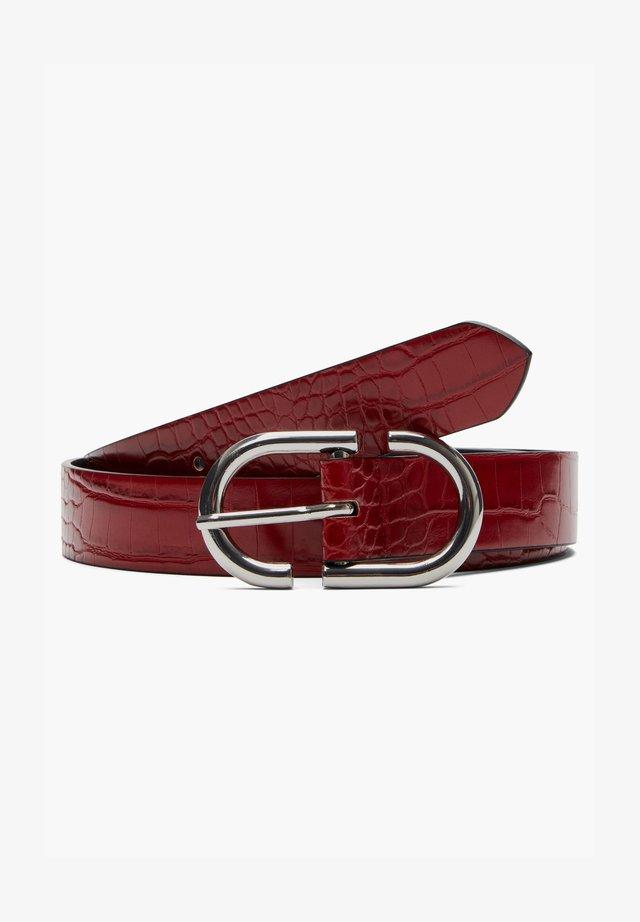 Belt business - burned red