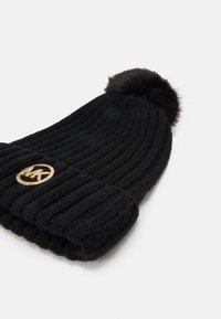 MICHAEL Michael Kors - PATCH BEANIE - Beanie - black/gold-coloured - 3