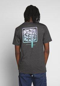Volcom - GROWN HTH SS - Camiseta estampada - anthracite - 2