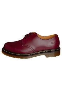 Dr. Martens - 1461- 3 EYE SHOE - Sznurowane obuwie sportowe - cherry red - 4