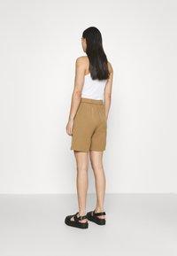 4th & Reckless - PRICKETT - Shorts - camel - 2