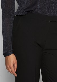 CAPSULE by Simply Be - ESSENTIAL WIDE LEG TROUSER - Kalhoty - black - 5