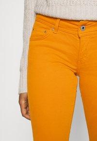 Pepe Jeans - NEW PIMLICO - Trousers - orange - 4