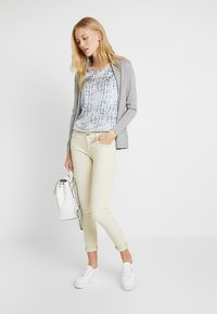 Zalando Essentials - Cardigan - grey - 1
