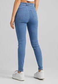 Bershka - SUPER HIGH WAIST - Jeans slim fit - blue denim - 2