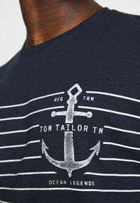 TOM TAILOR - PRINTED HARBOUR STRIPE - Print T-shirt - dark blue - 4
