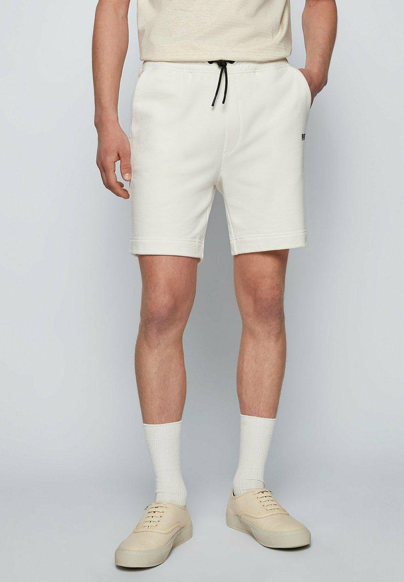 BOSS - SKEEVITO - Shorts - natural