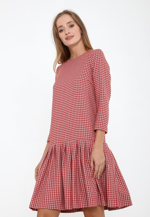 OTTILIANA - Korte jurk - grau, rot