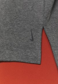 Nike Performance - CORE  - Sweatshirt - black/dark smoke grey - 3
