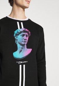 CLOSURE London - LINEAR STATUE CREWNECK - Sweatshirt - black - 4