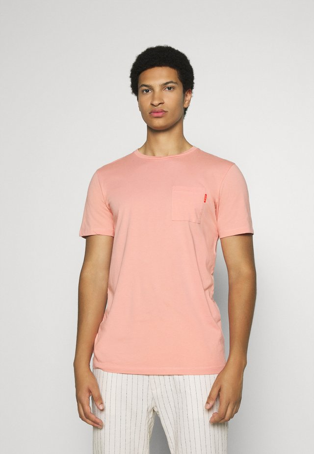 Basic T-shirt - pink smoke