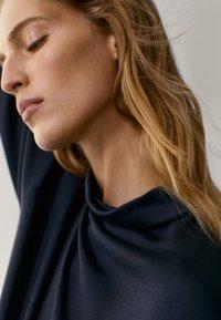 Massimo Dutti - Sweatshirt - dark grey - 5
