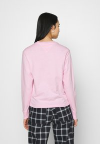 Tommy Jeans - FLAG LONGSLEEVE - Long sleeved top - romantic pink - 2