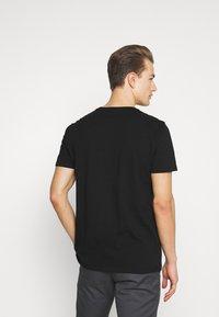 GAP - BASIC LOGO - Print T-shirt - true black - 2