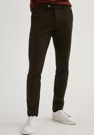 KARIERTE SLIM-FIT AUS BAUMWOLLE - Pantaloni - brown