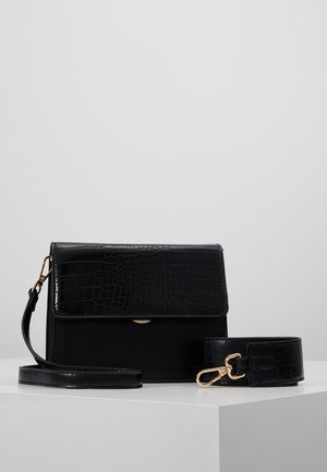 ONLSARAH CROSS BODY BAG - Across body bag - black