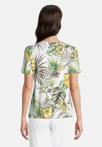 Betty Barclay - Print T-shirt - white/green - 2