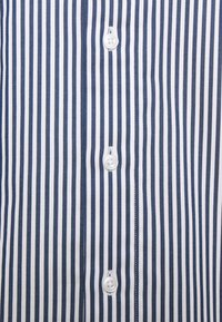 Michael Kors - STRIPE STRETCH SLIM SHIRT - Formal shirt - estate blue - 2