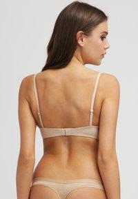 Etam - LOVELY PURE FIT - Multiway / Strapless bra - natural - 3