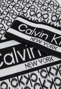Calvin Klein - BEANIE + SCARF SET - Šála - black - 3