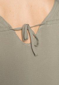s.Oliver - T-shirt - bas - summer khaki - 4