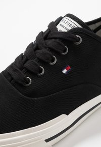 Tommy Hilfiger - CORE OXFORD - Trainers - black - 5