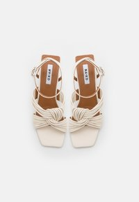 NA-KD - MULTISTRAP KNOT HEELS - Sandály - offwhite - 5