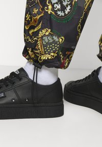 Versace Jeans Couture - MAN TROUSER - Tracksuit bottoms - nero - 4