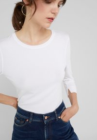 RIANI - Long sleeved top - white - 4