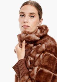 s.Oliver BLACK LABEL - Winterjacke - fake fur - 3